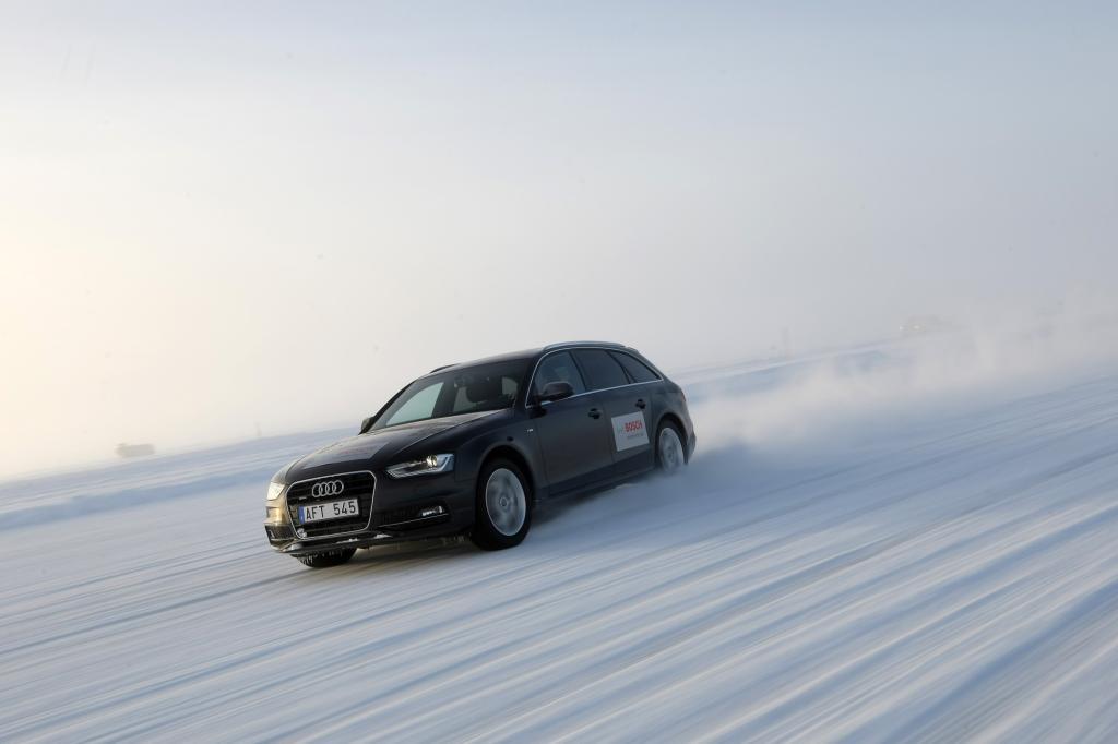 Audi A4 im Schnee