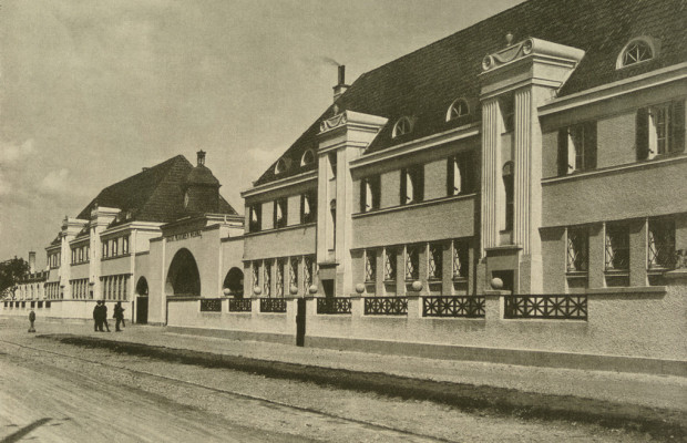 BMWs Klassikabteilung zieht an historischen Standort