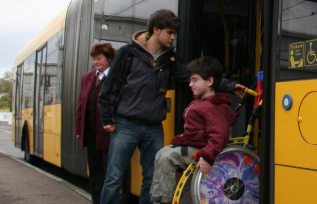 Barrierefreies Fahren im öffentlichen Verkehr