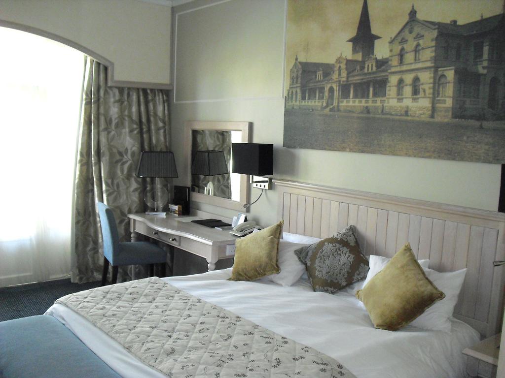 Blick in ein Zimmer des Swakopmund-Hotels.