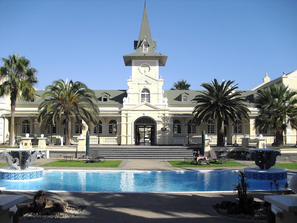 Das Swakopmund-Hotel war früher der Bahnhof von Swakopmund.