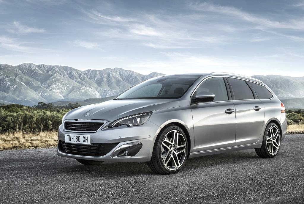 Der neue Peugeot 308 SW fährt sportlich-elegant vor.