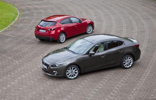 Die neue Limousine Mazda 3 steht zur Probefahrt bereit