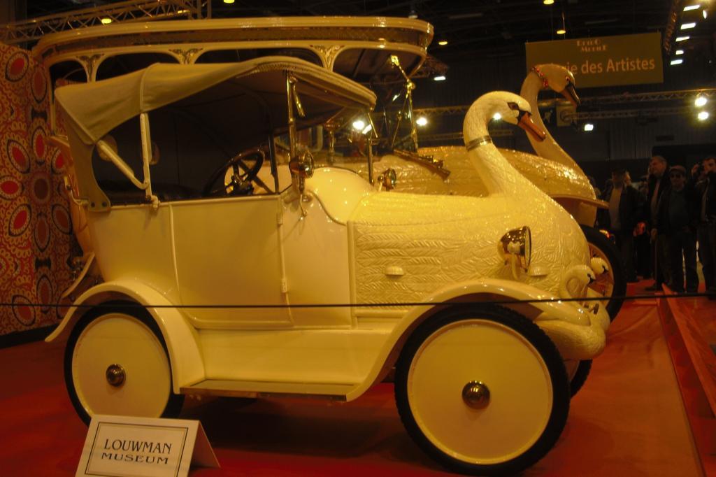 Einige der automobilen Juwelen indischer Fürsten, die in der ersten Hälfte des vergangenen Jahrhunderts zu den reichsten Menschen der Welt zählten, waren in einer Sonderausstellung auf der Pariser Retromobile zu sehen.