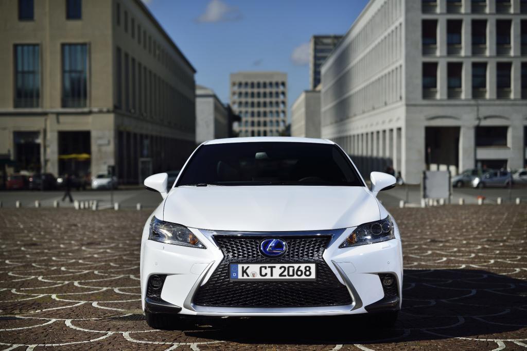 Fahrbericht: Lexus CT 200h - Leise über Stolpersteine
