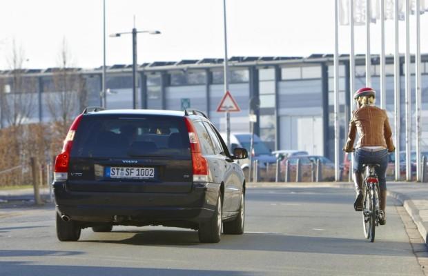 Feind der Radfahrer: die Autotür