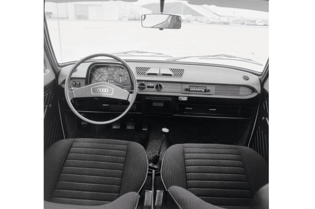 Gerade die Verarbeitungsqualität und die aufwändige, gewissenhafte, geradezu liebevolle Entwicklungsarbeit wurde beim Audi 50 immer wieder von Fachleuten und Presse gelobt