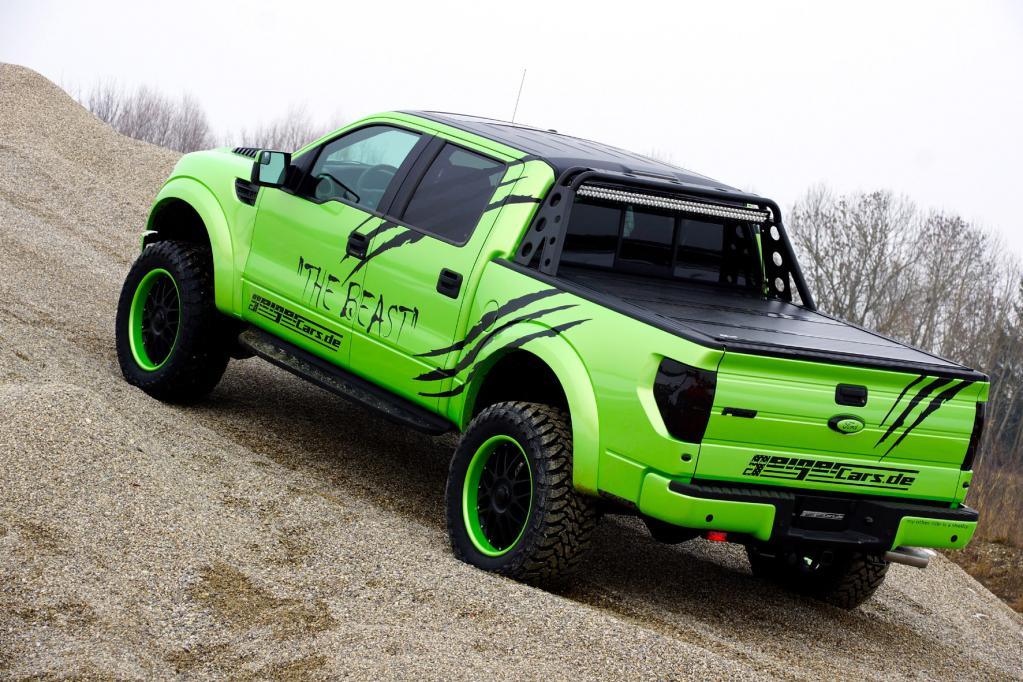 Giftgrüner Monster-Truck mit mächtig Wumms
