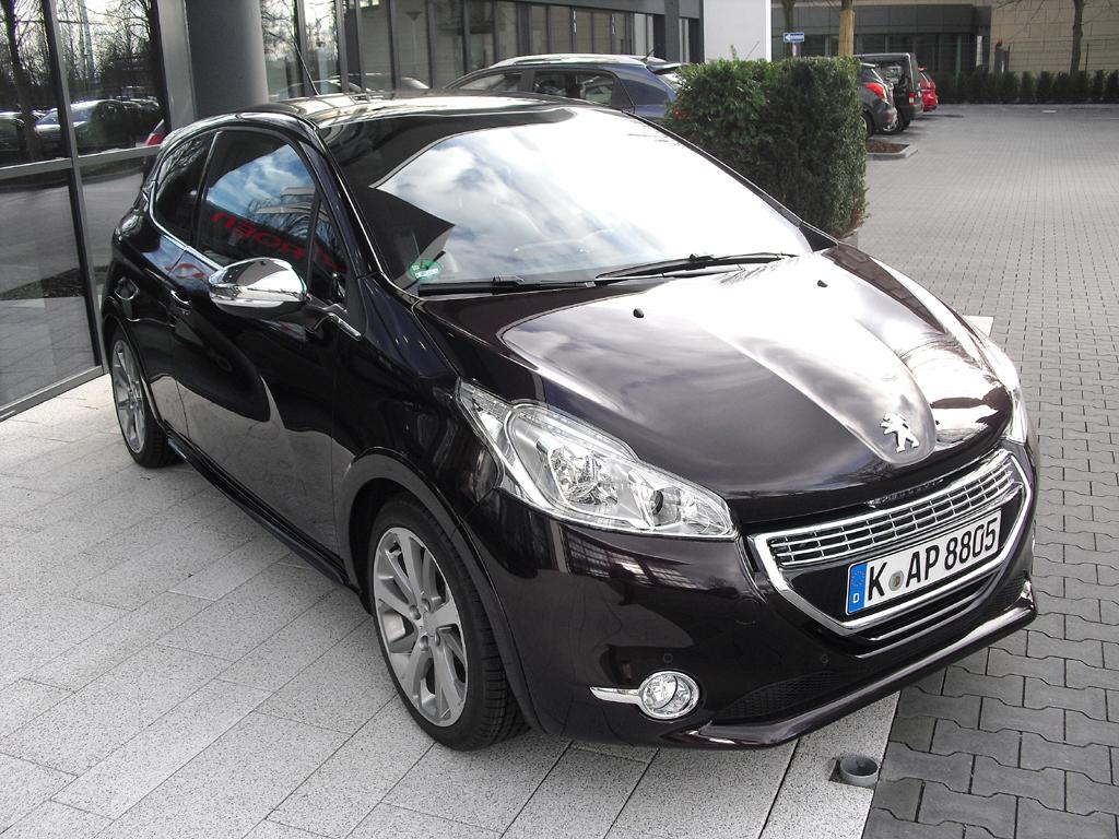 Kleinwagen Peugeot 208, hier in der wertigeren XY-Variante.