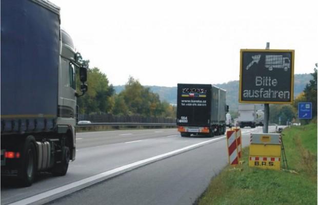 LED-Anzeigetafeln: Mehr Sicherheit bei Lkw-Kontrollen