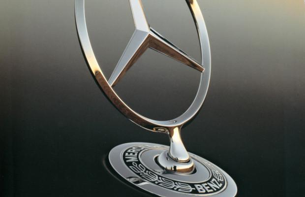 Mercedes-Benz fährt zum Ball des Sports