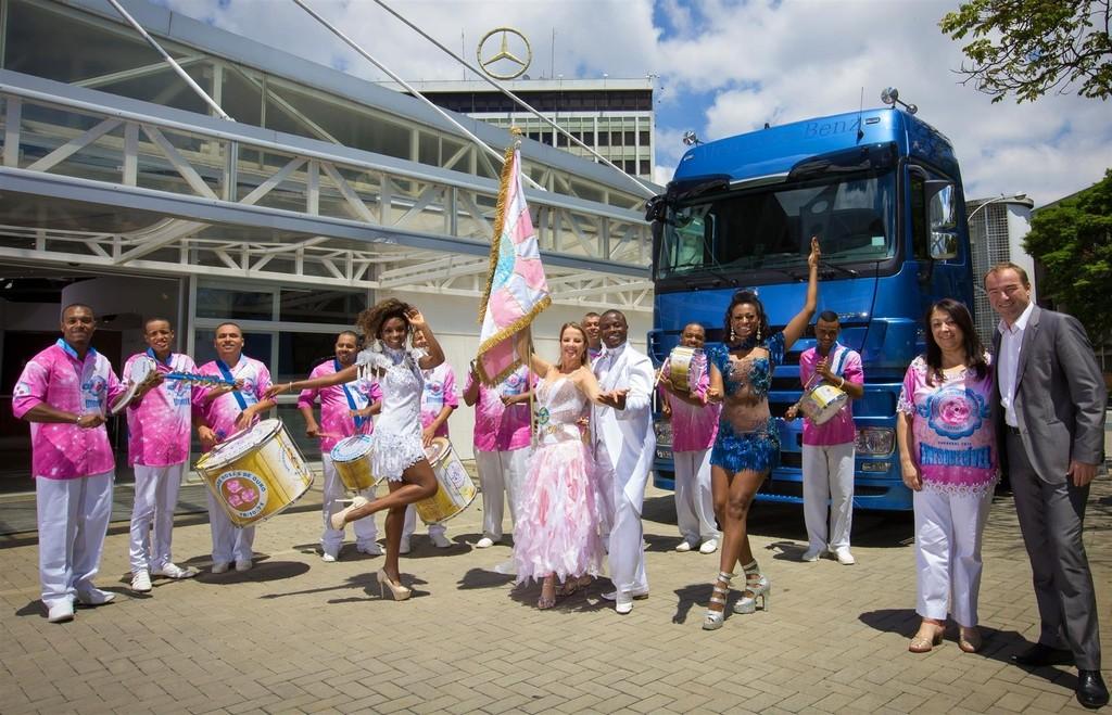Mercedes-Benz unterstützt Karneval in Brasilien