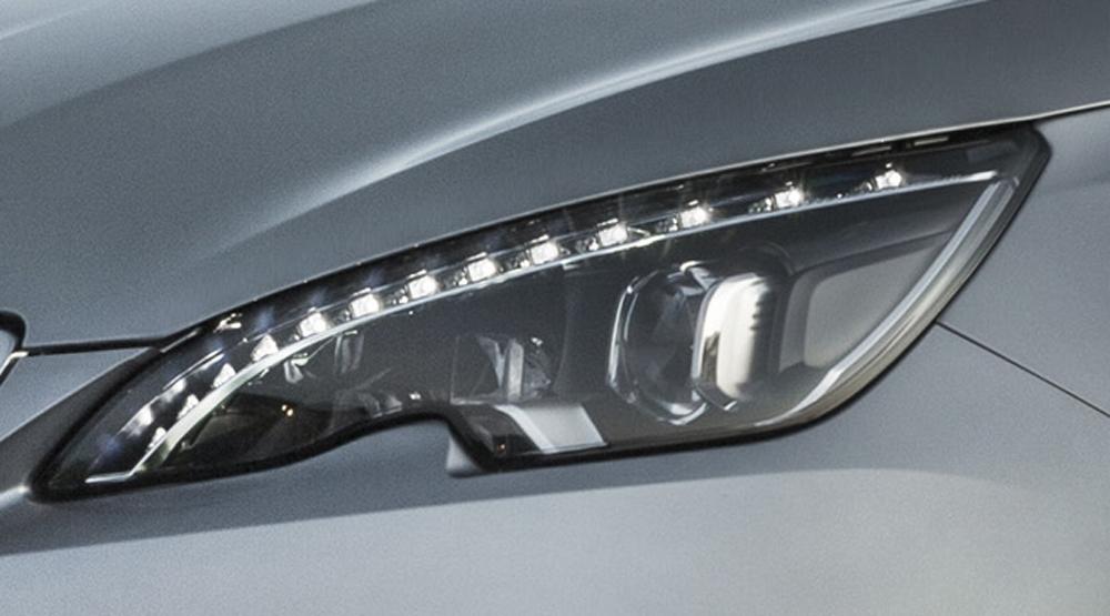 Peugeot 308 SW: Voll-LED-Scheinwerfer sind in den höheren Ausstattungen Serie.