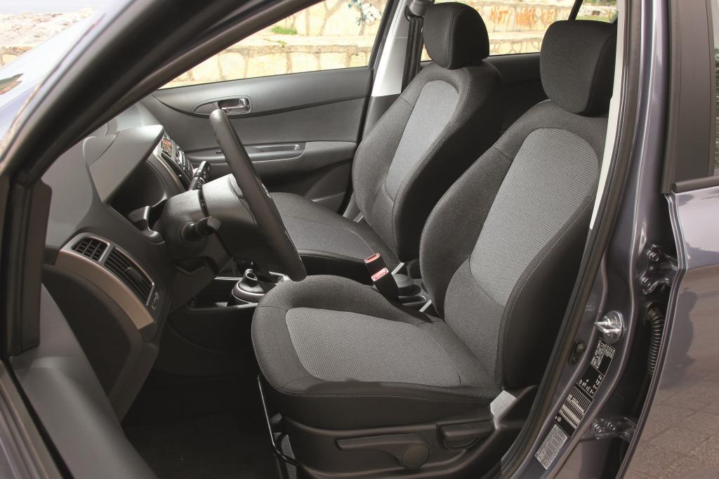 Ratgeber: Autositze richtig pflegen - So werden Polster wieder frisch und schön