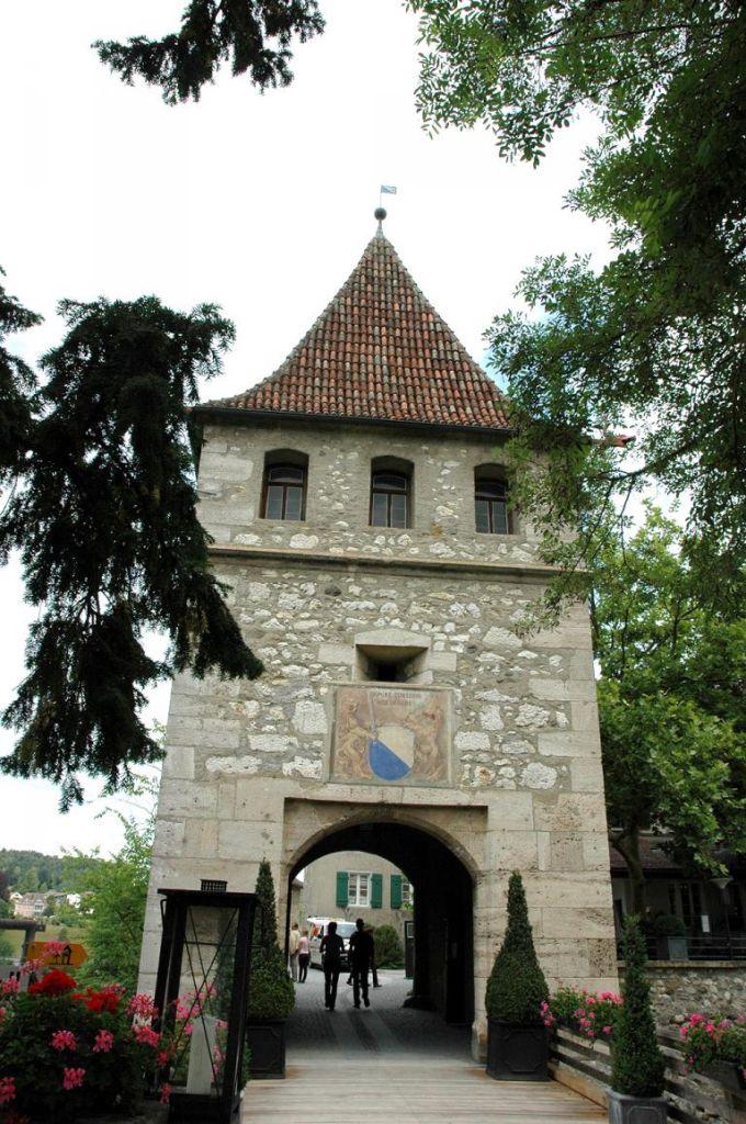 Schloss Laufen und Schloss Wörth liegen am Rheinfall-Becken.