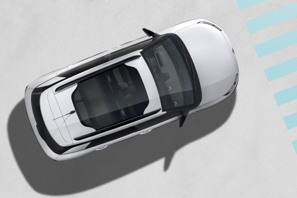Serienmäßig rollt der C4 Cactus mit einem Glasdach vor, das eine hohe Wärmeschutzfunktion besitzen soll, und den Innenraum erhellt.