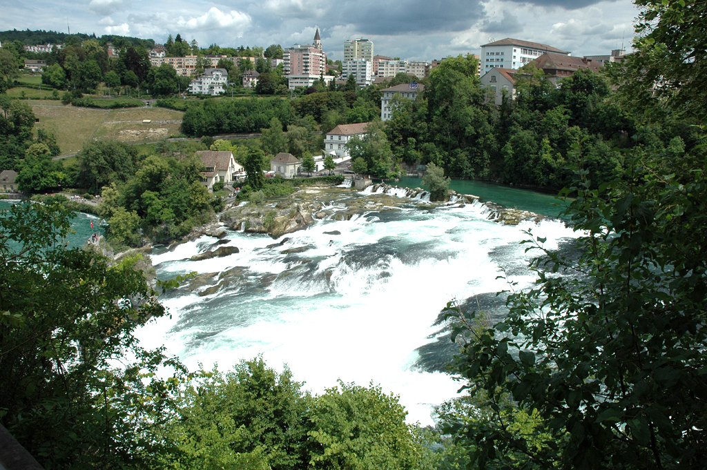 Sightseeing: Rheinfall, Schaffhausen - Wo mächtige Wassermassen tosen