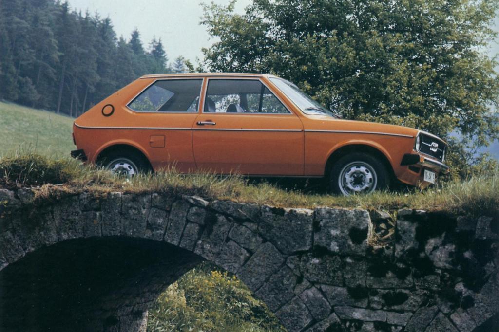 Trotz aller Anfangserfolge dankte der Audi 50 als König der Kleinwagen nach kurzer Amtszeit ab