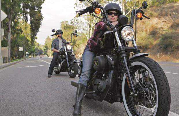 Umfrage: Frau und Motorrad - Bikerinnen sind glücklicher