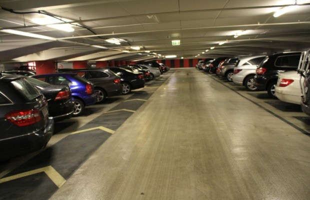 Urteil: Kein Recht auf kostenlose Mitarbeiter-Parkplätze