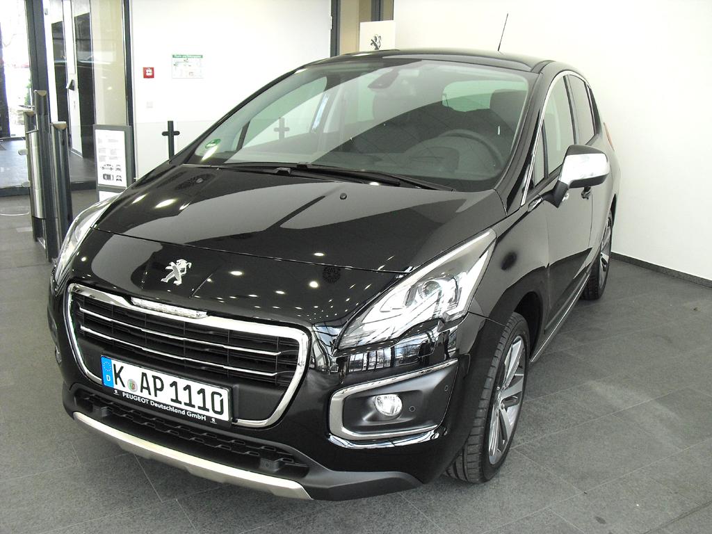 Zusammen mit dem 5008 jetzt im Handel: Peugeot-Neuauflage 3008.