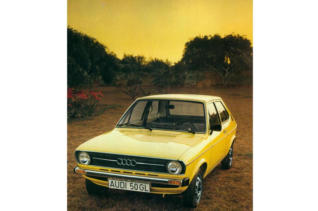 den Audi 50 nicht nur in Standardtönen wie senegalrot, sondern auch in aufpreispflichtigen Outfits wie cadizorange, rallyegelb oder cliffgrün