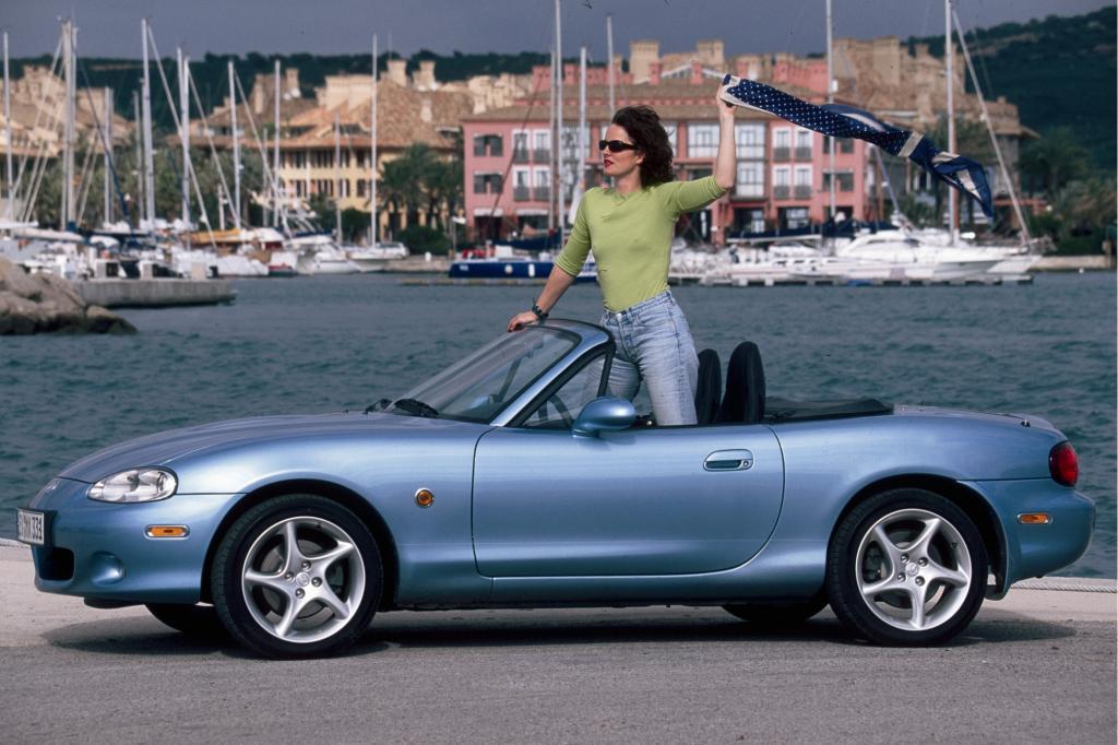 Die zweite Generation des Mazda MX-5 erfüllt alle Ansprüche an ein Spielzeug für warme Sonnentage - Foto: Mazda