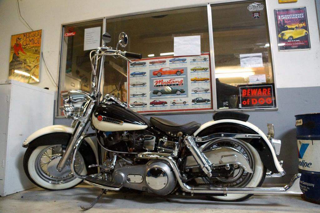 An der 1964er Panhead von Harley-Davidson blieb Borrmann erstmal hängen.