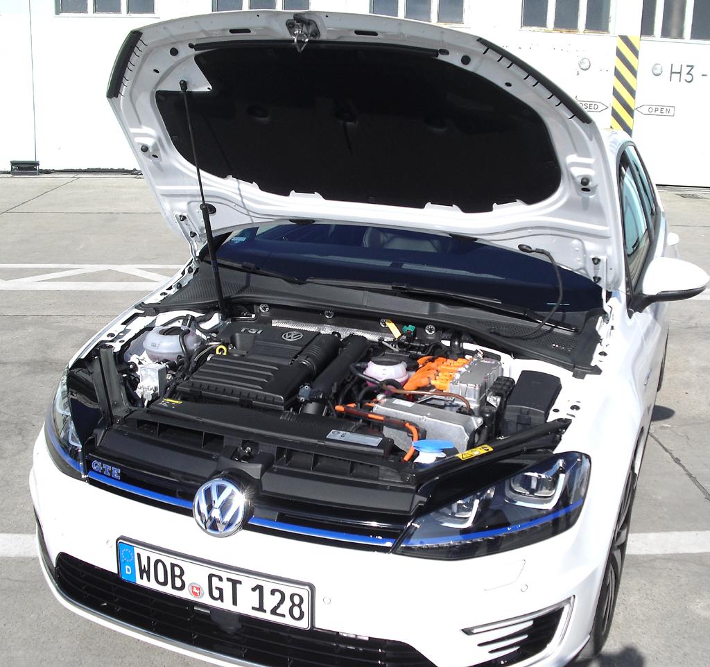 Auch mit Verbrennungsmotor: Plug-In-Hybrid VW Golf GTE. Foto: Koch/Quelle: