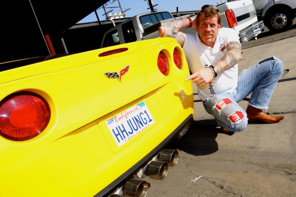 Auf das Wunschkennzeichen für seine gelbe Corvette C6 hat Klaus Borrmann fünf Monate gewartet.