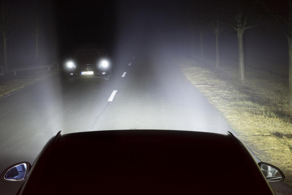Auf hellem Weg: Opel-Lichttechnik leuchtet voraus
