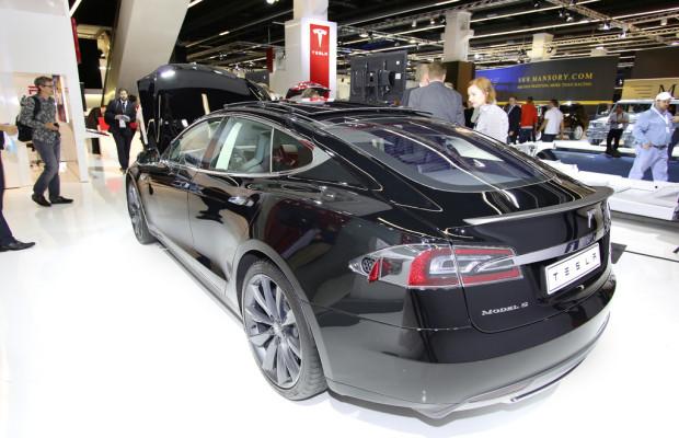 Brief aus New York: Teslas Kampf, der GM-Zirkus geht weiter, und der CLA kommt gut an