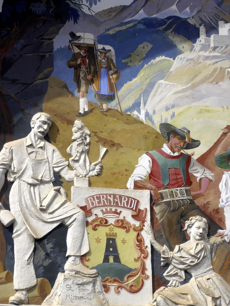 Bunt: Fassadengemälde im Grödnertal.