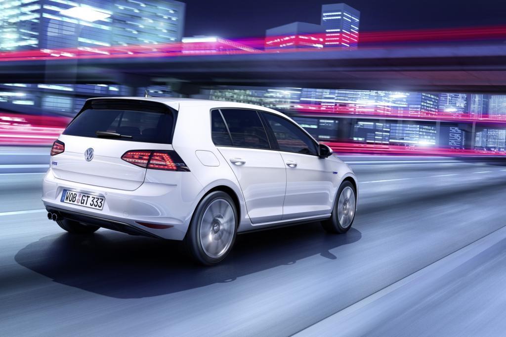 Der Plug-in-Hybrid beherrscht rein elektrisches Fahren ebenso wie sportliche Manieren. Wir waren mit dem rasanten Kompakten bereits unterwegs.