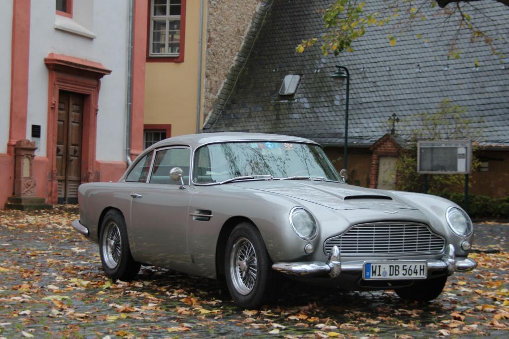 Der originale Aston Martin DB5 ist das klassische James-Bond-Auto Foto: © David Brown Automotive