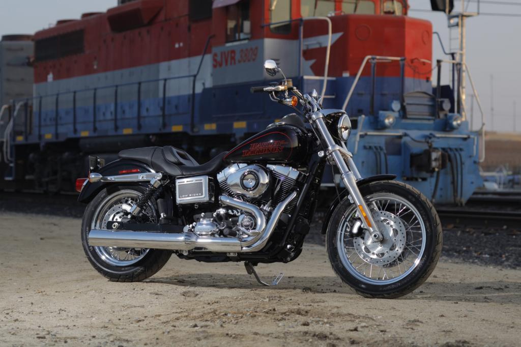 Die Neuauflage der Low Rider orientiert sich am Design des Klassikers