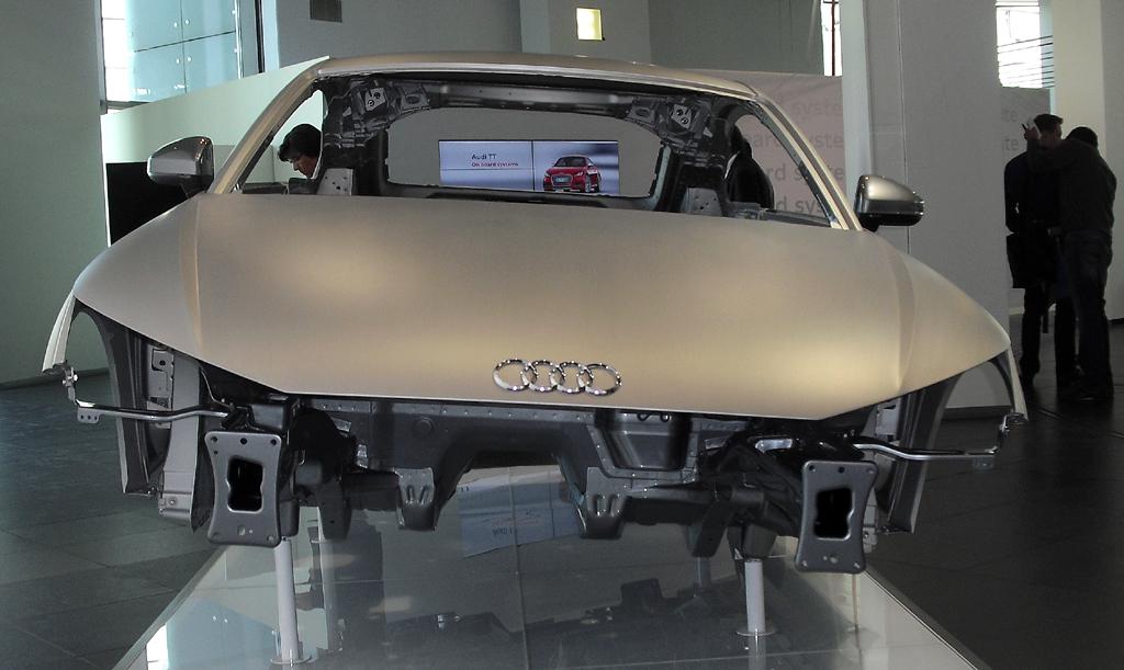 Die Stahl/Aluminium-Karosserie trägt zum um bis zu 50 Kilo geringeren Gewicht bei.