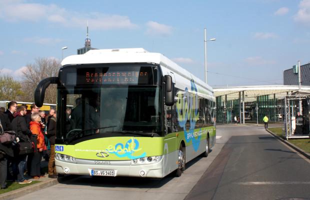 Erster Elektrobus in Braunschweig auf Linie
