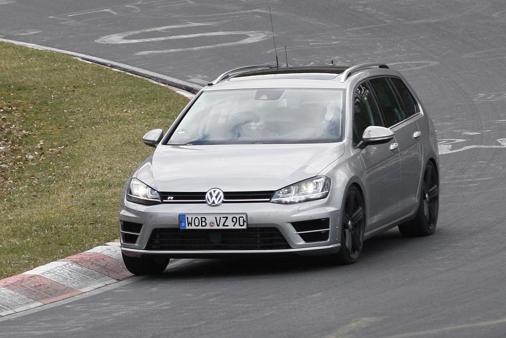 Erwischt: Erlkönig VW Golf R Estate