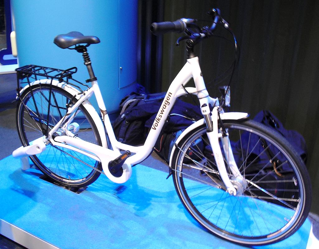 Fahrräder, hier ein Bike von VW, gehören mit zur Mikromobilität. Foto: Koch/Quelle: