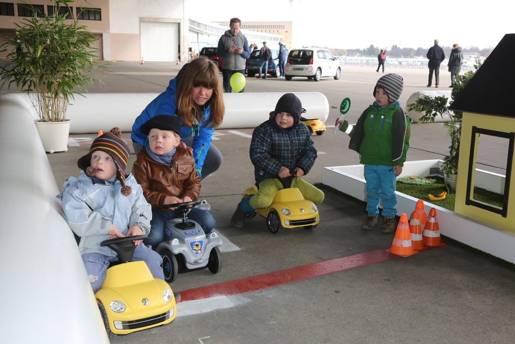 Familienausflug in die automobile Zukunft