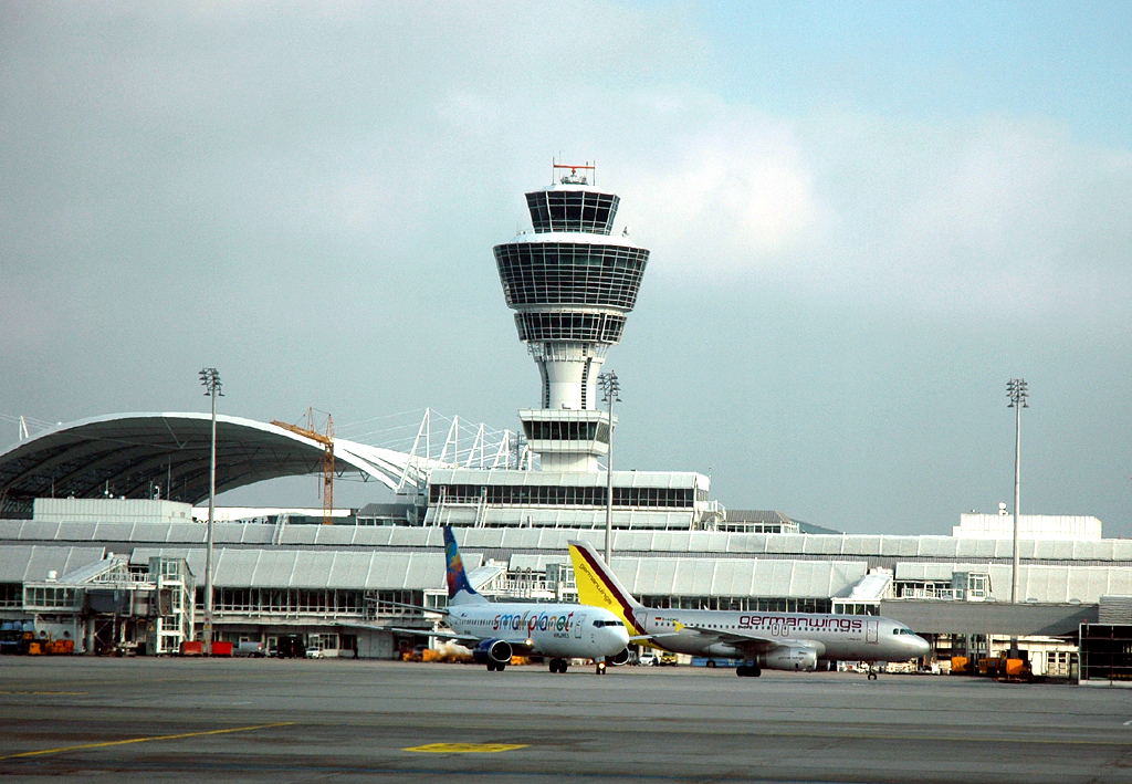 Flughafen München: Passagiere müssen dort ihre Fotokamera kontrollieren lassen.