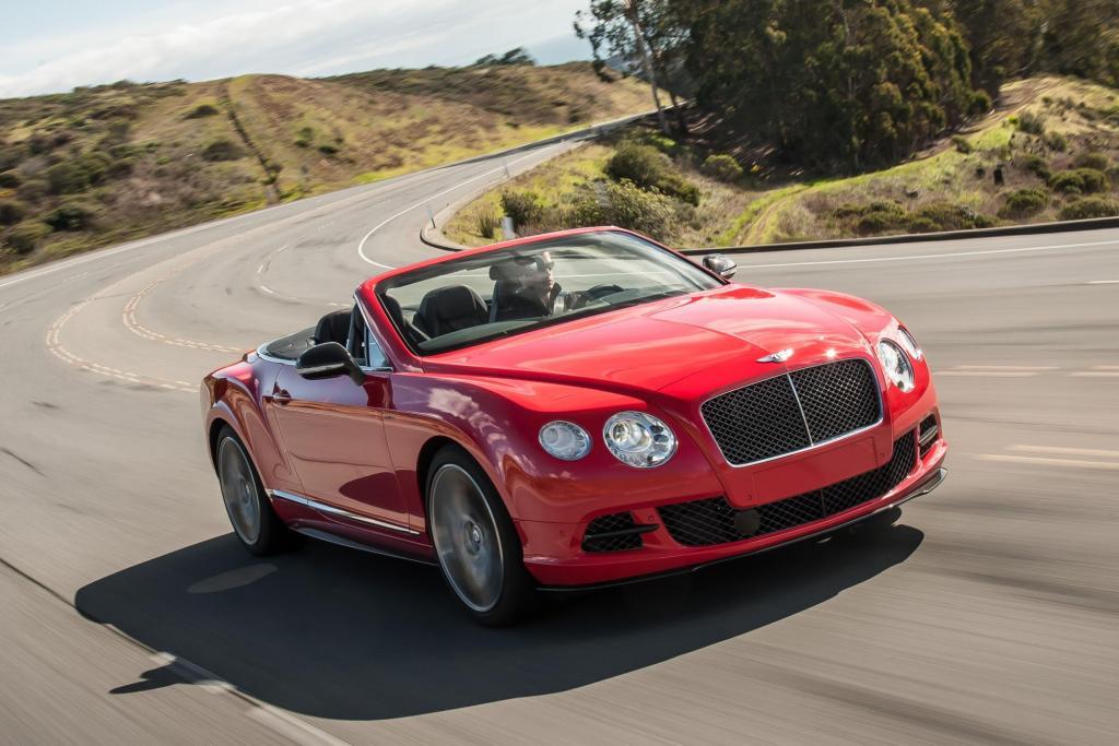 Foto © Bentley - Die Version GT Speed Cabrio des Continental ist mit einem Sechsliter-V12 ausgestattet, er bringt 460 kW/ 625 PS auf die Straße