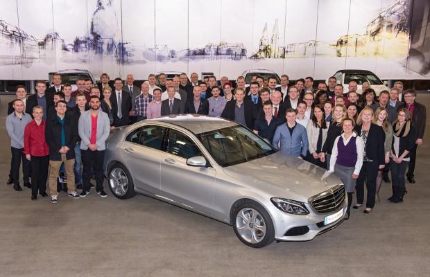 Freisprechungsfeier im Mercedes-Benz-Werk Bremen
