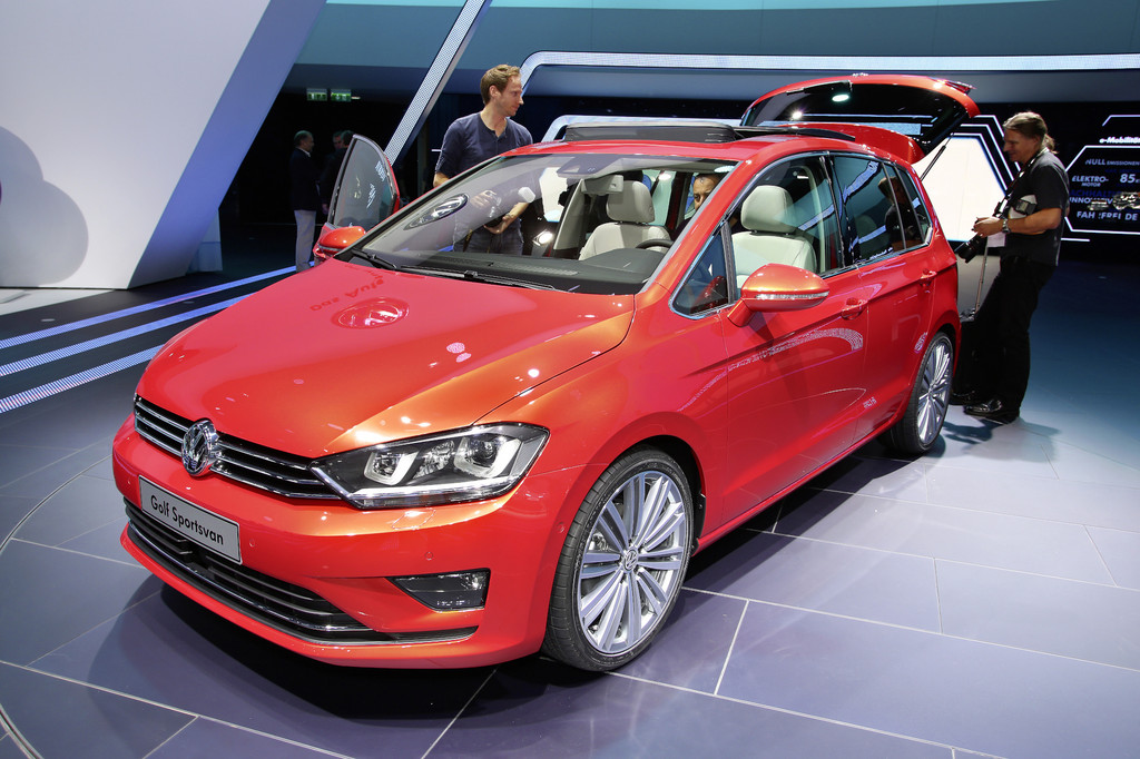 Genf 2014: Dynaudio bespielt Sportsvan und Scirocco
