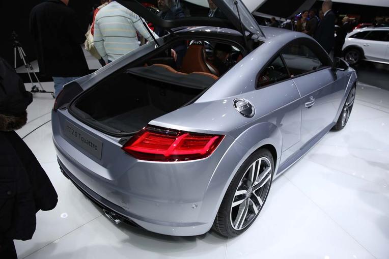 Heck-/Seitenansicht der Neuauflage von Audis TT-Coupé.