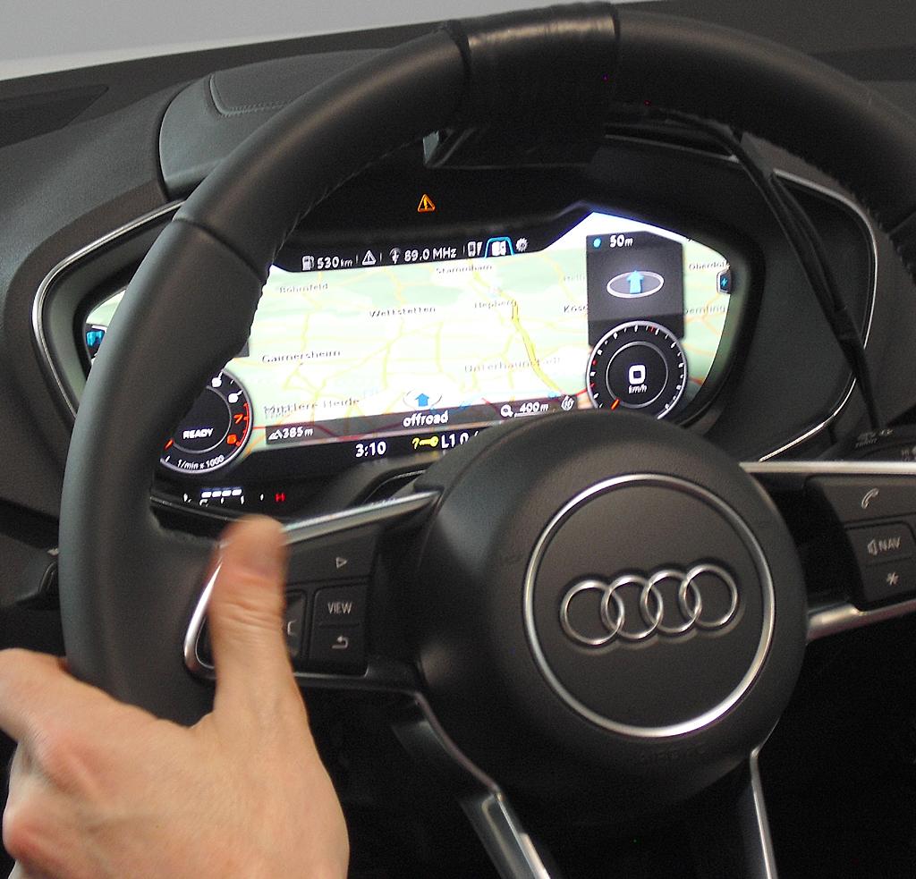 Im Virtual Cockpit liegt das große Display direkt im Blickfeld des Fahrers.