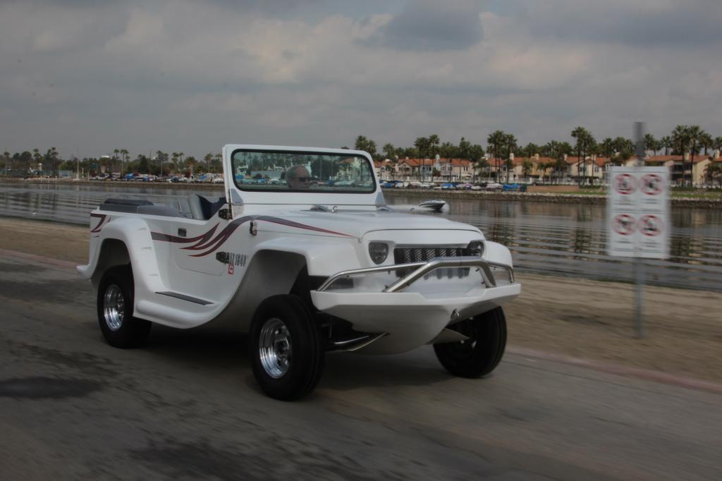 In Fountain Valley vor den Toren von Los Angeles bauen sie das schnellsten Amphibienauto der Welt.