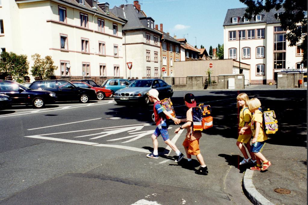 Kinder besser im Straßenverkehr schützen