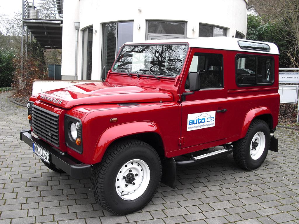 Land Rover Defender, hier als 90er-Station-Wagon.